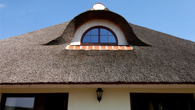 Straw roofing